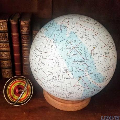 globe céleste litavis, constellation du cygne.